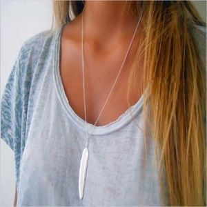 Jewelry - Silver/Gold Long Feather Pendant